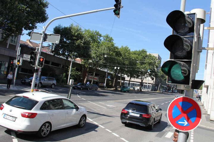 Am Tag bleibt in Kassel für Autofahrer alles wie gehabt. (Symbolbild)