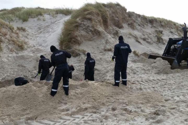 Die Polizei fand die Leiche im Herbst in den Amrumer Dünen.