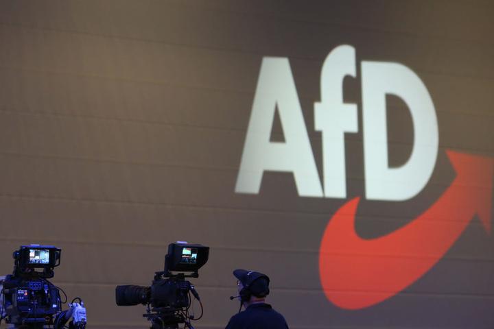 Verfassungsschutzämter von Bund und Ländern beraten über Beobachtung der AfD.