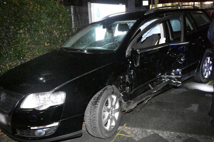 Auch der VW wurde erheblich beschädigt.