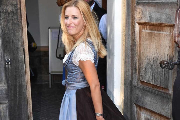 Unter den Gästen war auch Volksmusik-Star Stefanie Hertel (37).
