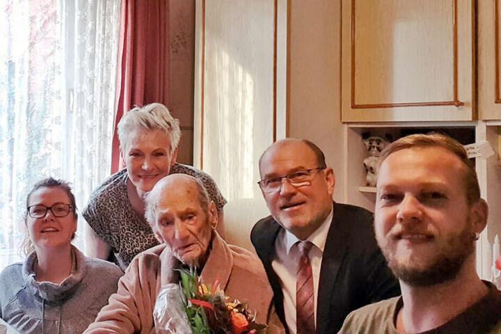 Am 15. Oktober hatte Gustav Gerneth im Kreise seiner Familie seinen 114. Geburtstag gefeiert.