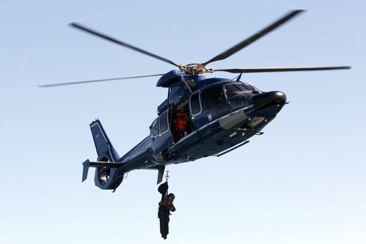 Auch zwei Hubschrauber waren an der Suche beteiligt. (Symbolbild)
