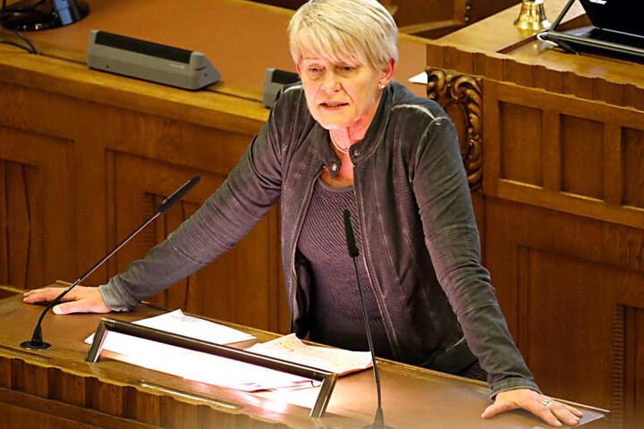 Petra Zais (59, Grüne) kritisiert vor allem den Zustand der Chemnitzer Schulhöfe.