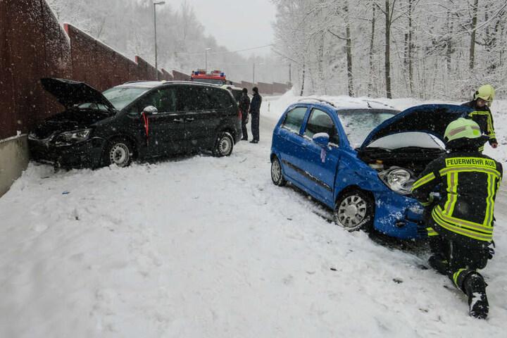 An beiden Fahrzeugen entstand ein Schaden von insgesamt 5000 Euro.