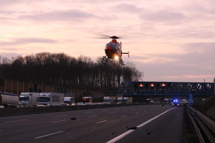 Ein Rettungshubschrauber war ebenfalls im Einsatz.