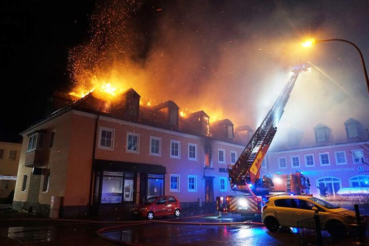 Im Februar brannte der Husarenhof lichterloh.
