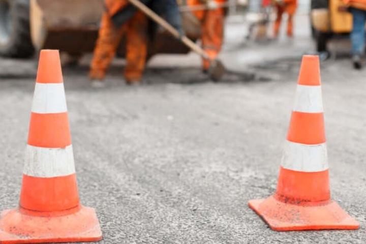 Autofahrer müssen wegen Baustellen in der Innenstadt mit Staus rechnen. (Symbolbild)