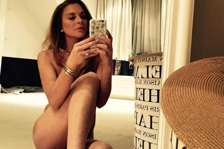 Ein Nackt-Selfie zum Geburtstag.