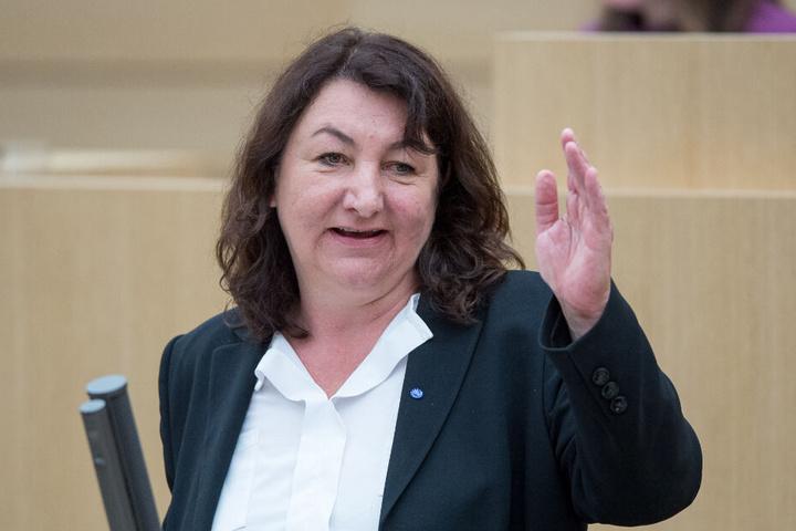 """Beate Böhlen (Grüne) ist die Vorsitzende des Petitionsausschusses im Landtag von Baden-Württemberg und sagte zum Beschluss über die Äffle- und Pferdle-Ampel: """"Nie war es ein größeres Vergnügen, Volkes Wille zur Durchsetzung zu verhelfen."""""""