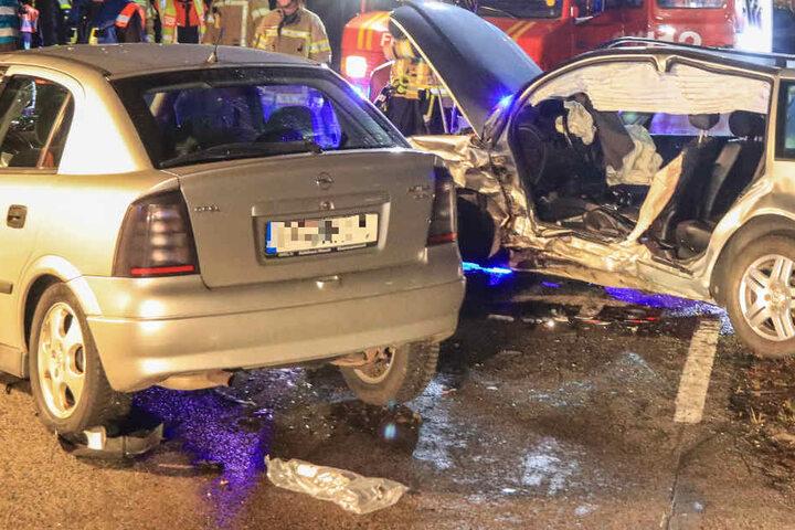 In Bayern sind auf der Staatsstraße 2210 ein VW Bora und ein Opel Astra kollidiert.