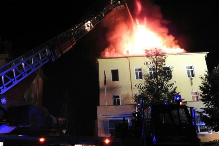 Die Brandursache ist derzeit noch ungeklärt.