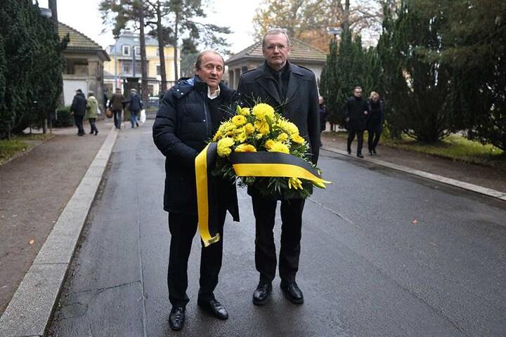 Ordnungsbürgermeister Detlef Sittel (re.) und Leichtathlet Hagen Melzer.