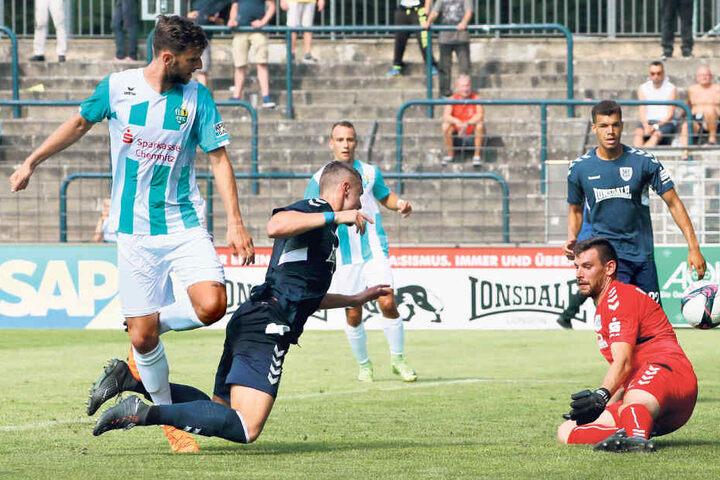 Der eingewechselte Dejan Bozic (l.) erzielte den Chemnitzer Siegtreffer in Babelsberg.