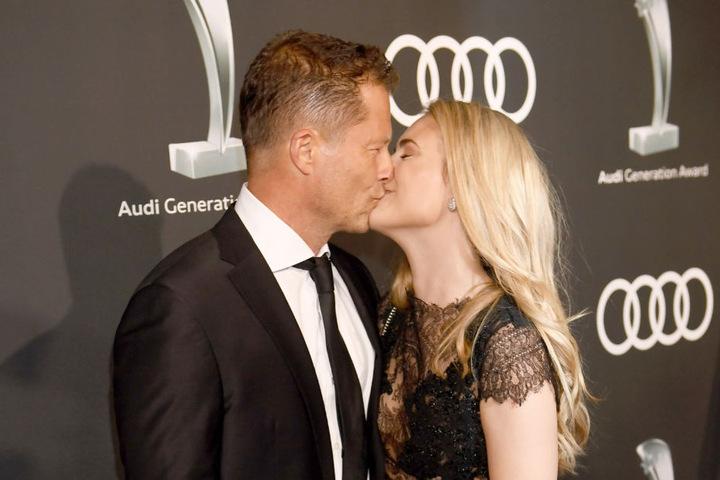 In München küssten sich Schweiger und Dutton erstmals in der Öffentlichkeit.