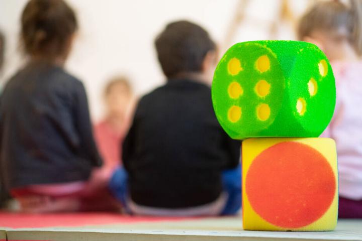 Ein Fünf-Punkte-Plan soll helfen, mehr Fachkräfte für die Betreuung von Kindern zu finden.