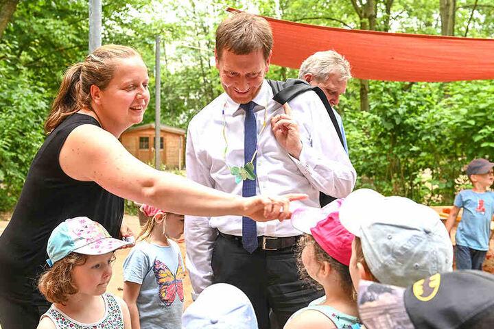 """""""Das ist der Chef in Sachsen."""" Der Landesvater besucht einen Kindergarten."""