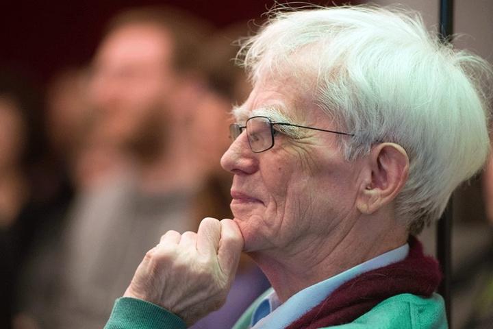 """Christian Ströbele (77) zieht sich aus der """"großen Politik"""" zurück."""