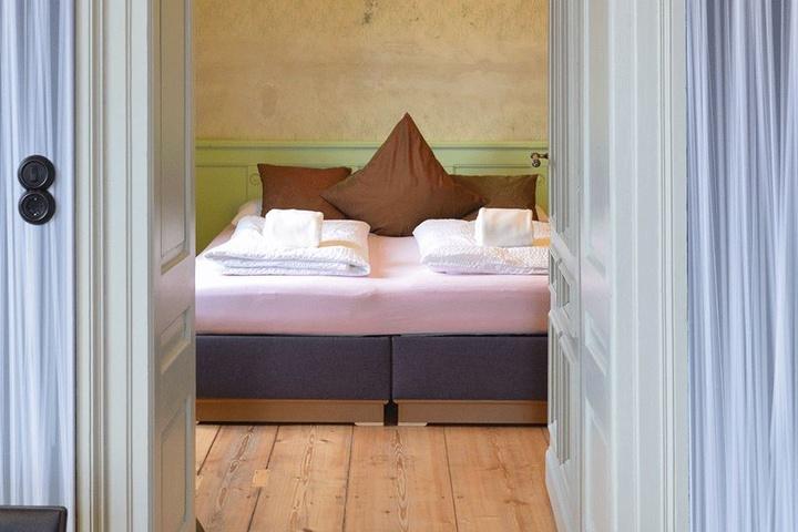 Auch der Blick ins Schlafzimmer hat Stil.