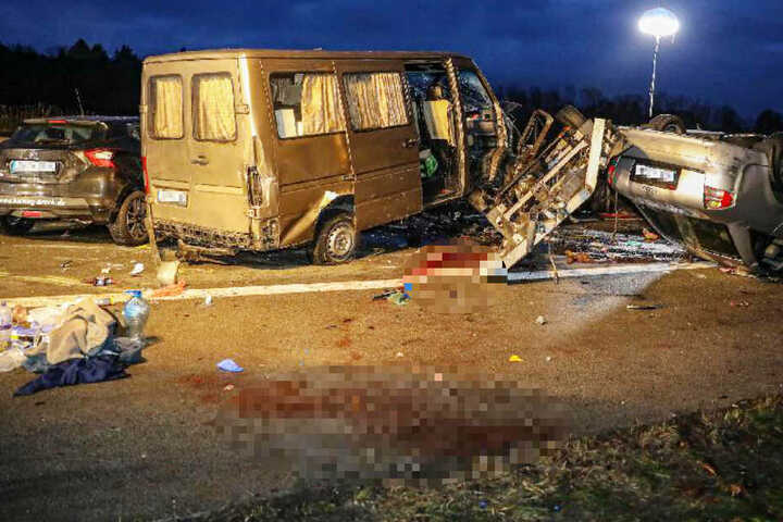 Der erfasste Fahrer des Sprinters hatte keine Chance, den Unfall zu überleben.
