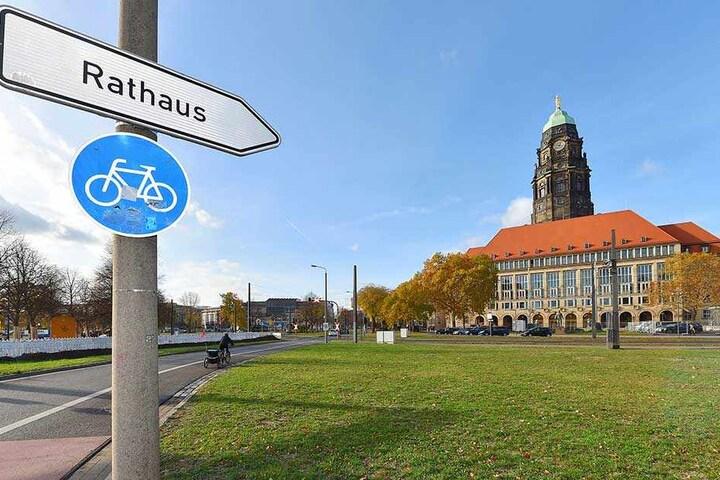 Hinter den Rathaus-Mauern wird nach neuen (Zweck-)Bündnissen gesucht.