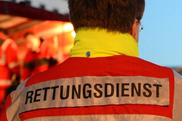 Rettungskräfte brachten den Jungen in ein Krankenhaus.