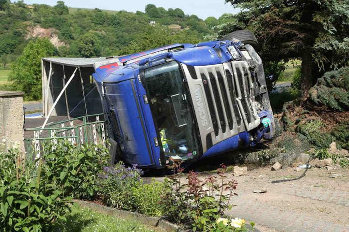 Beide Fahrer wurden leicht verletzt.