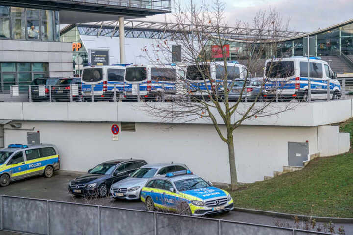 Die deutschen Behörden sind wachsam, nachdem Islamisten auch am Flughafen Charles de Gaulle in Paris spioniert haben sollen.