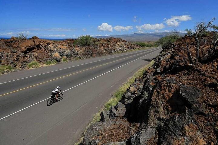 """Auf dieser Straße verläuft die Rad-Rennstrecke des """"Ironman"""" auf Hawaii."""