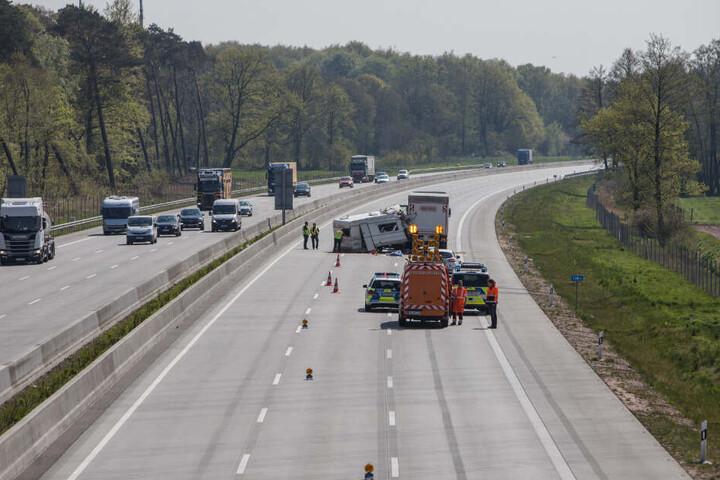 Die Autobahn blieb bis in den Nachmittag gesperrt.