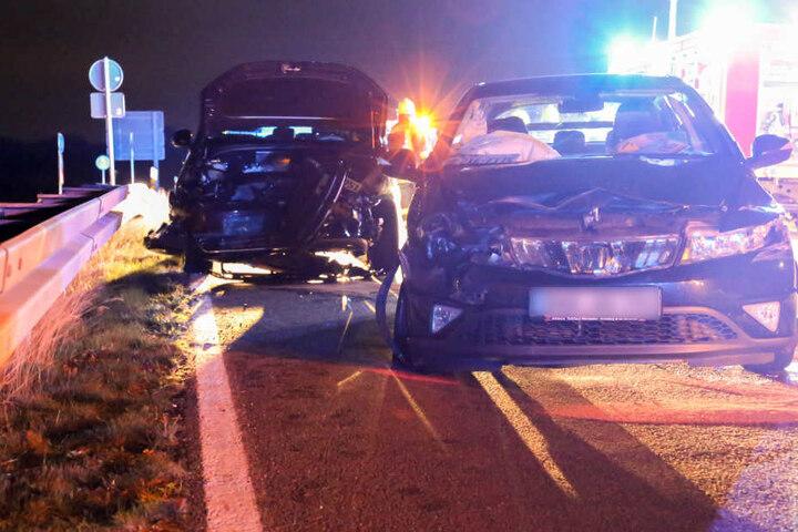Bei dem Zusammenstoß wurden vier Personen verletzt.