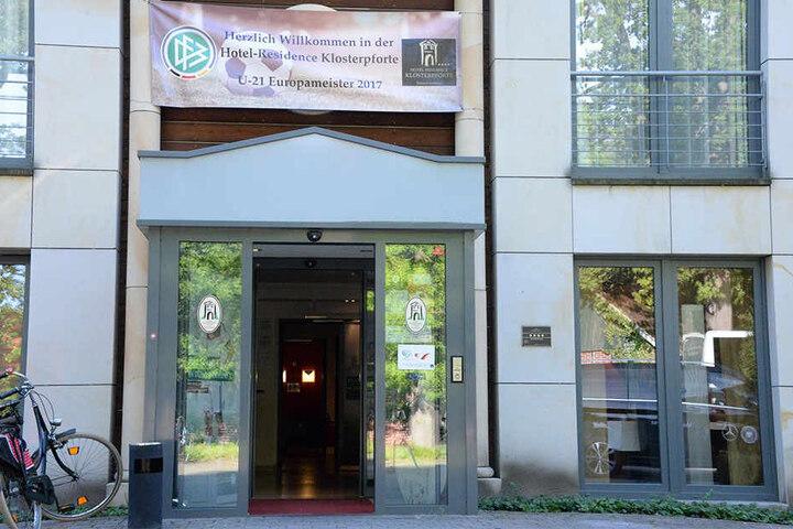Mit einem Banner am Hotel Klosterpforte wurde der aktuelle U21-Europameitster begrüßt.