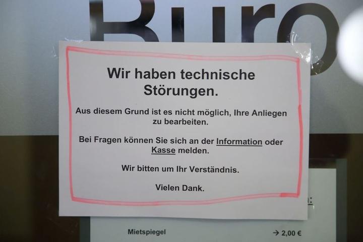 Information für die Besucher des Bürgerbüros Altstadt auf der Theaterstraße.