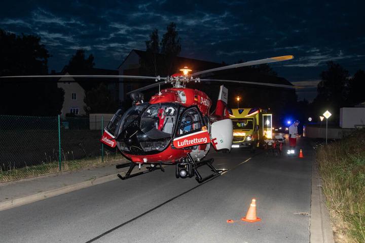 Der Teenager musste mit einem Rettungshubschrauber nach Dresden geflogen werden.