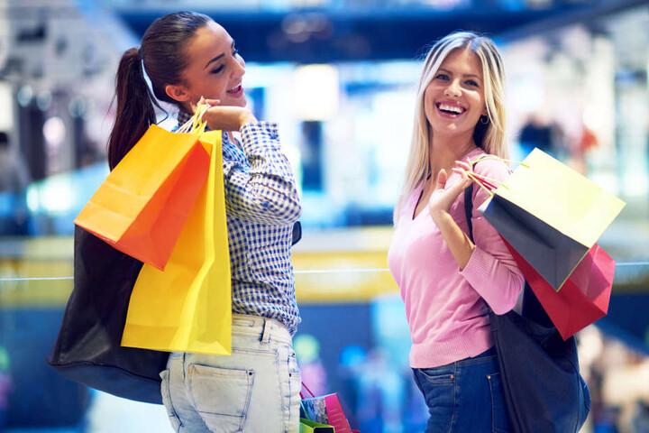 Nach dem Kaufrausch, dem Mädelsflohmarkt, geht Ihr mit vollen Taschen nach Hause.