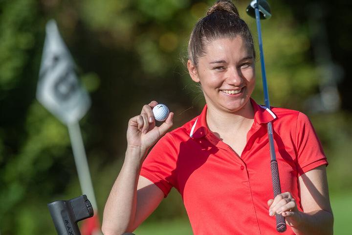 Nadine Klose (23) vom Golf-Team der TU Chemnitz schaffte es in der Einzelgesamtwertung auf Rang zwei.