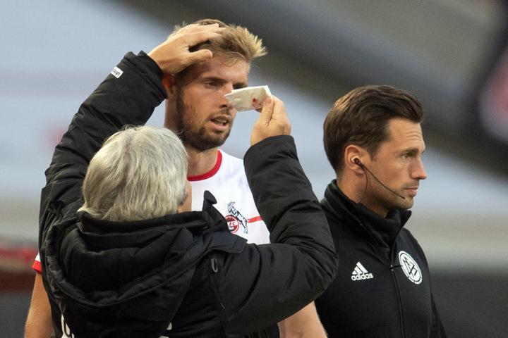 Wegen einer Zehenverletzung wird Lasse Sobiech (27) erst 2019 wieder für den 1. FC Köln spielen können.