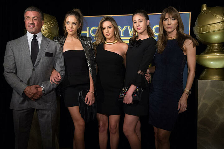 Die ganze Familie: Sylvester, Sistine, Sophia, Scarlet Stallone und Mutter Jennifer Flavin.