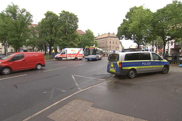 Der Bus konnte seine Fahrt nach dem Vorfall weiter fortsetzen.