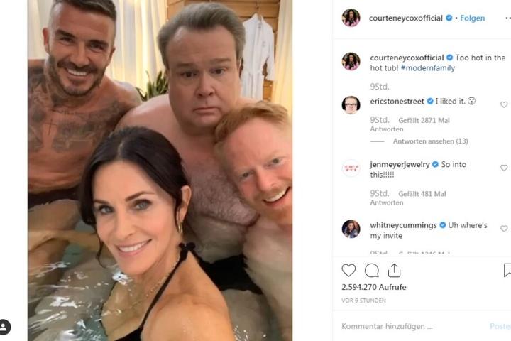 Doch nicht so sexy. David Beckham (44, li.), Eric Stonestreet (48, m.), Jesse Tyler Ferguson (44, r.) und Courteney Cox (55).