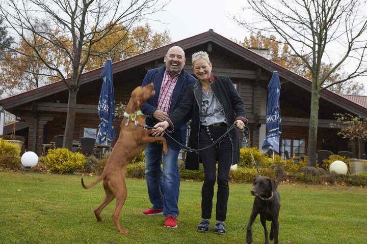 Der Kultwirt und seine Lebensgefährtin Anke Berger bewirten ab Februar die Clubgäste wie auch Nichtgolfer auf dem Golfplatz Ullersdorf.