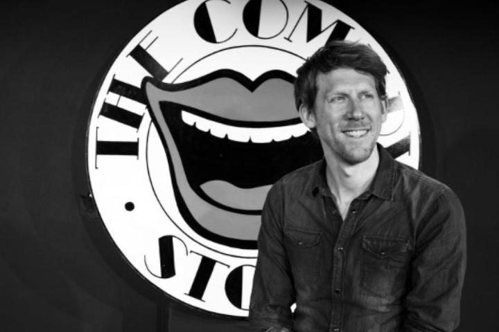 """Christian Schulte-Loh (39) wird humorvoll durch den Abend im """"Quatsch Comedy Club"""" führen."""