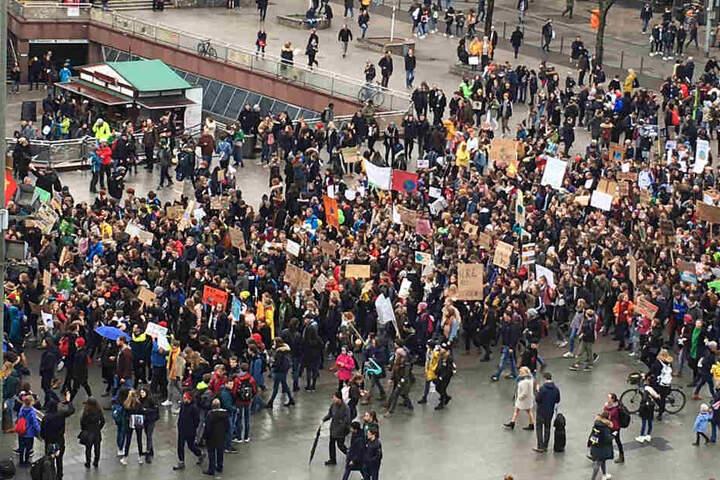Es waren wahrscheinlich nicht 10.000 Demonstranten, aber beeindruckend war die Anzahl dennoch.