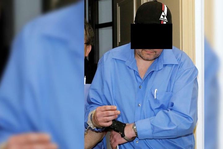 Nach außen hin wirkt Jan D. (39) harmlos. Im Landgericht ist er als Mörder angeklagt.