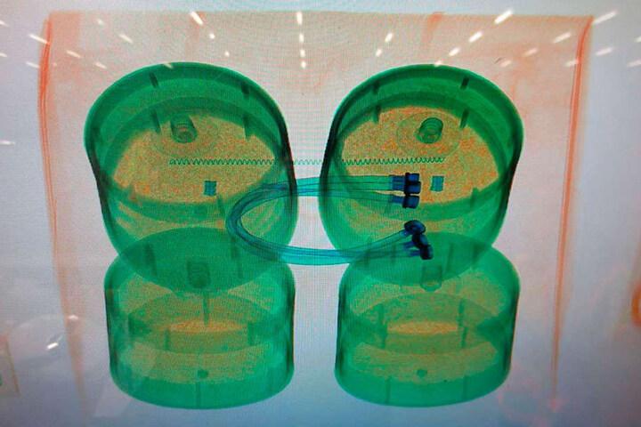 Das sieht nur das geschulte Auge: In diesen Wasserfiltern sind zwei Kilo Cannabis versteckt.