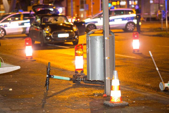 Der Fahrer des E-Scooters wurde schwer verletzt.