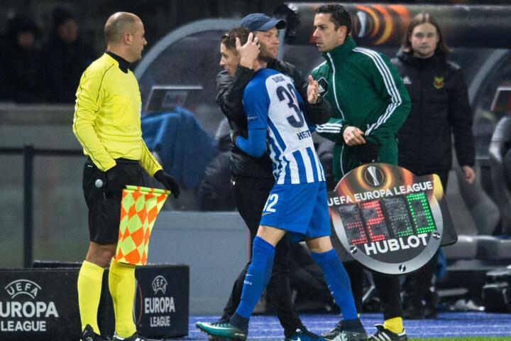 Vater wechselt seinen Sohn aus: Im Spiel gegen Östersund konnte Dardai Junior durchaus überzogen.