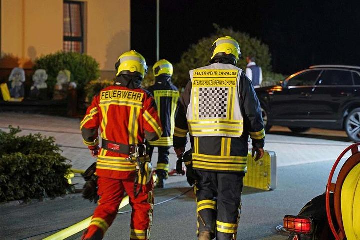 Die Feuerwehrleute wollten evakuieren.
