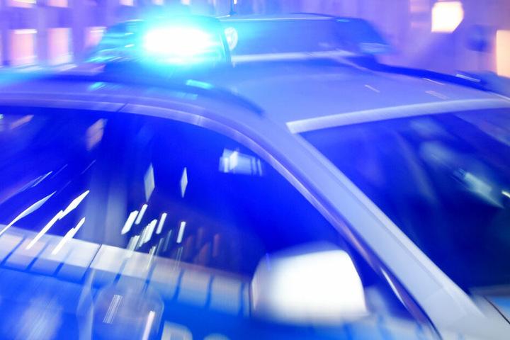 Die Polizei sucht Zeugen des Unfalls (Symbolbild).