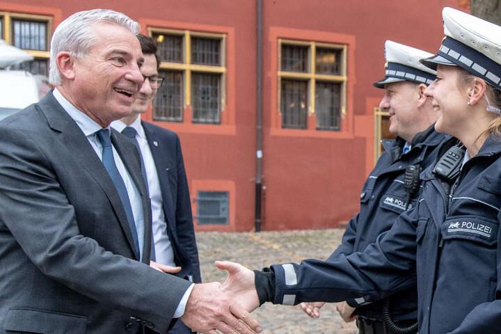 Innenminister Thomas Strobl (CDU) begrüßte Polizisten in Freiburg.